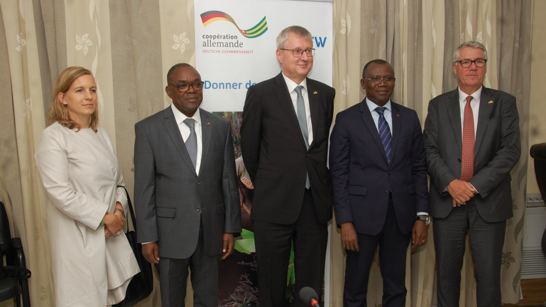 German and Togolese representatives