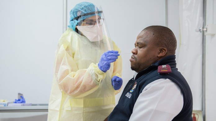 Patient & Doctor at Coronatest