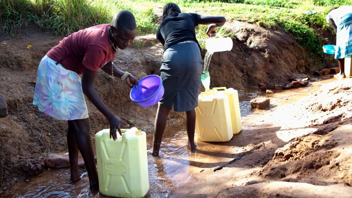 Women fetch water from the well