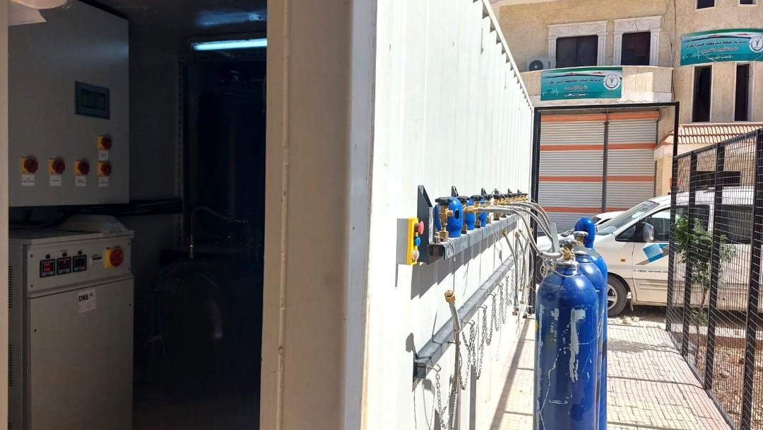 Nach Aleppo wurde ein Sauerstoffgenerator und 50 Sauerstoffflaschen geliefert – für ein COVID-19-Krankenhaus.